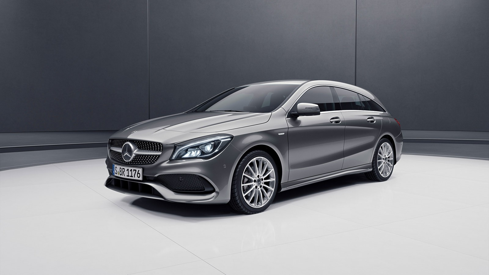 Mercedes-Benz CLA Shooting Brake Night Edition