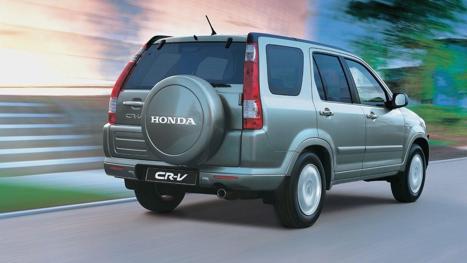 На фото: Honda CR-V '2005–06