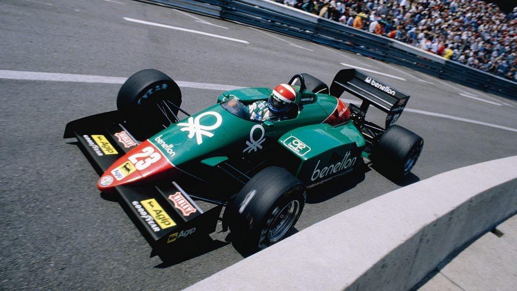 На фото: Эдди Чивер за рулём Alfa Romeo 185T на Гран-при Монако 1985 года.