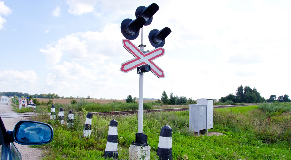 Car stand railway crossing road traffic-light