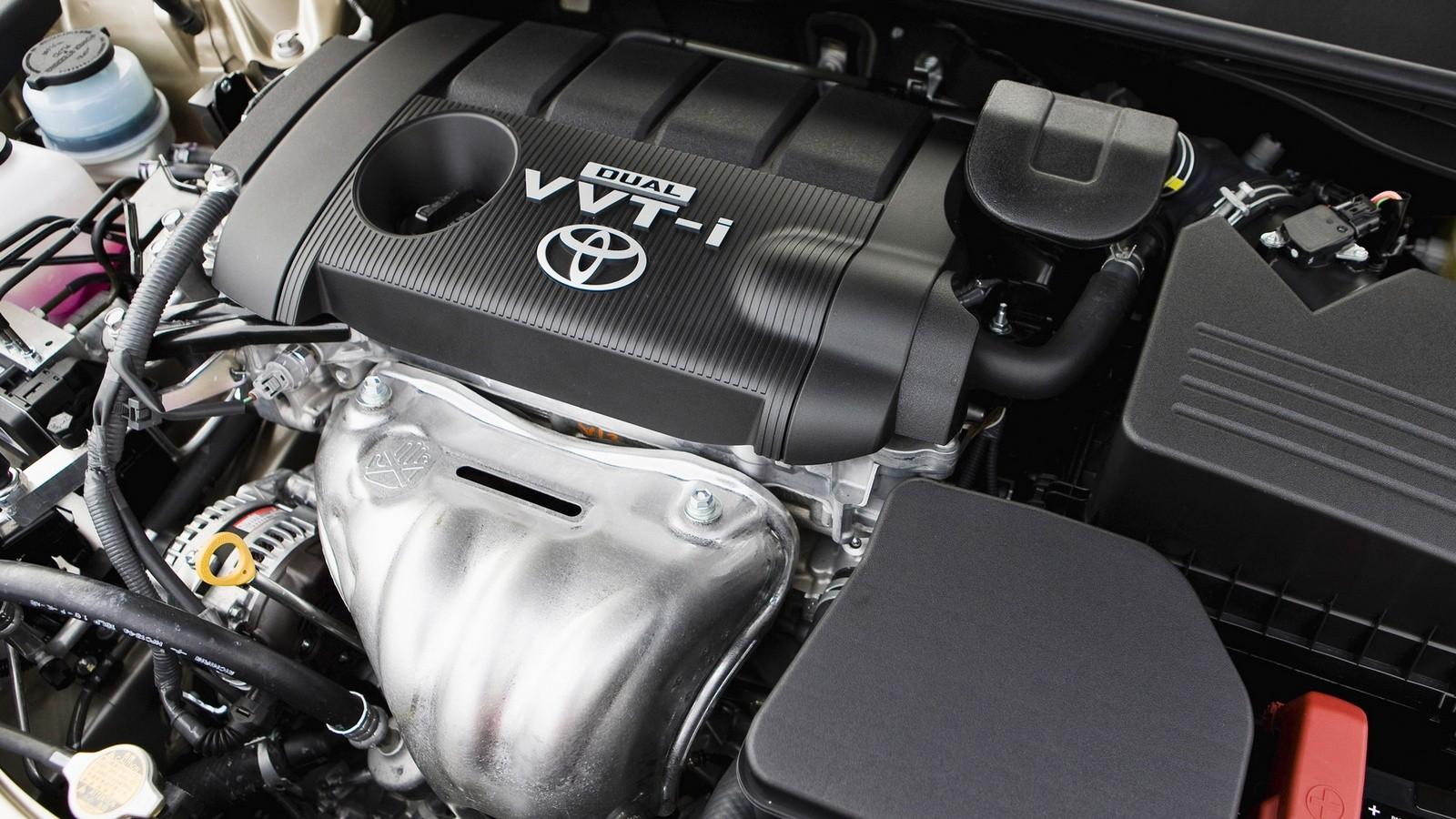 На фото: Под капотом Toyota Camry LE '2009–11