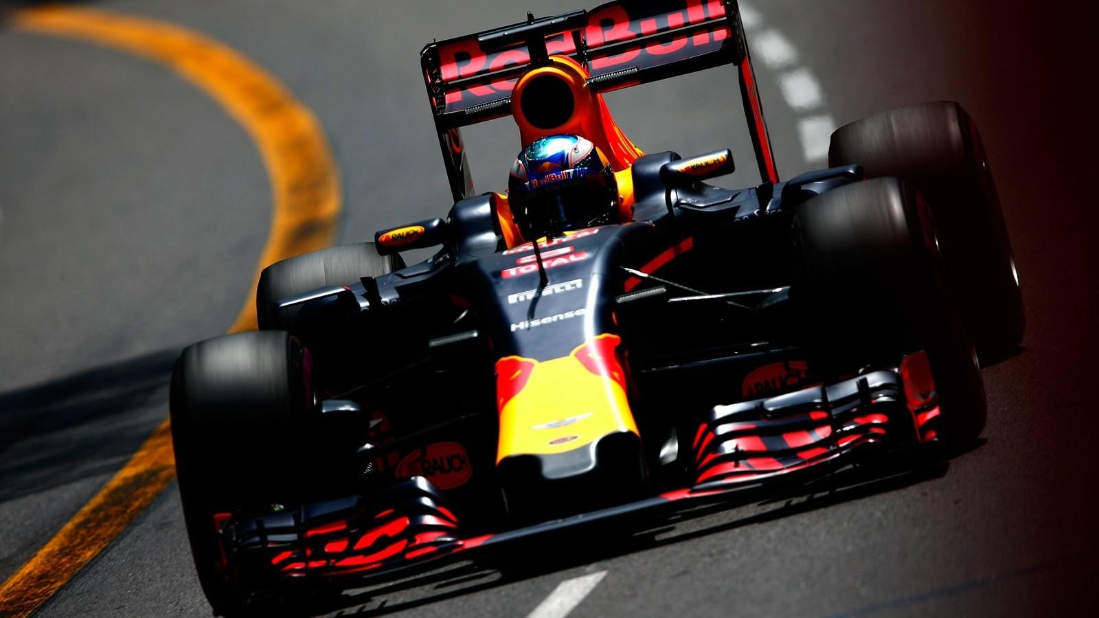 Даниэль Риккардо на двух Гран-при подряд был быстрее своего нового напарника