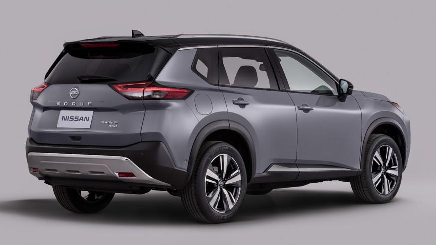 Новый Nissan X-Trail: более компактные габариты, двухэтажная оптика и цифровая «приборка»