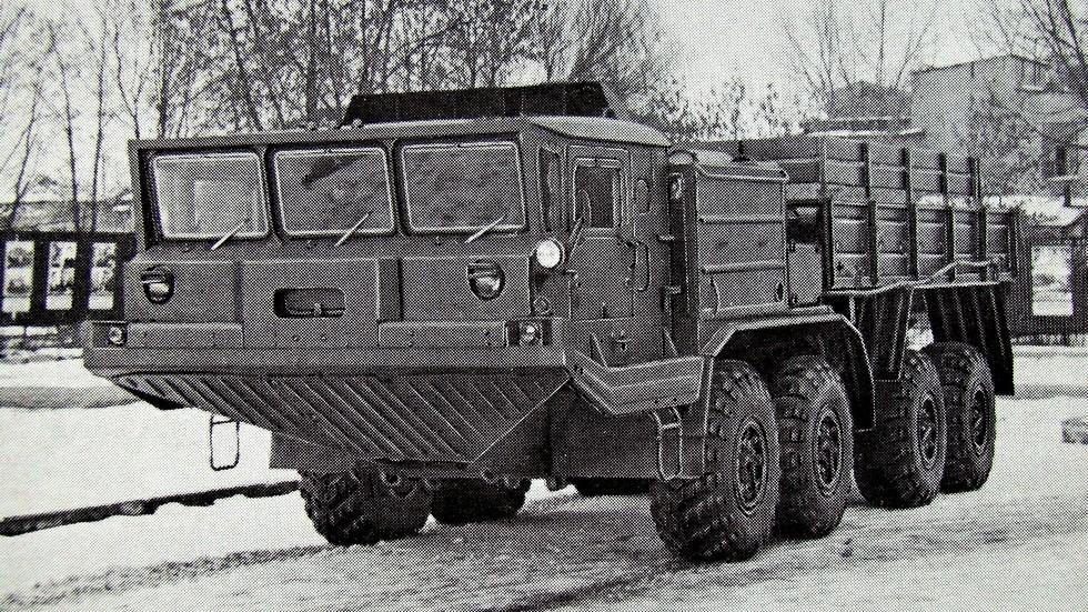 Прототип артиллерийского тягача БАЗ-69531 (из проспекта В/О «Автоэкспорт»)