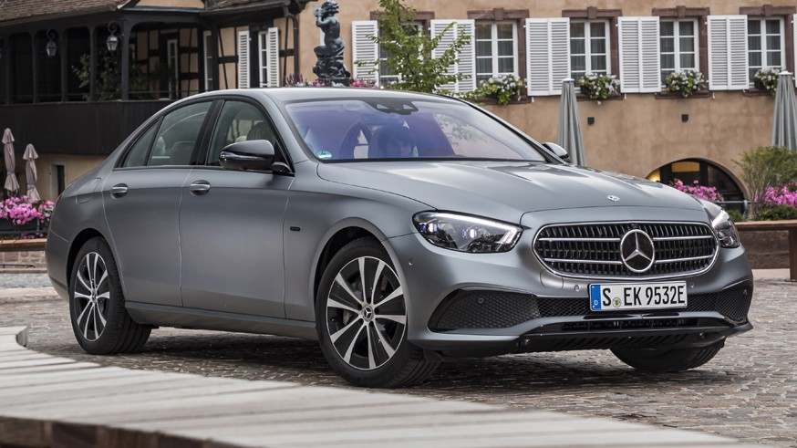 Mercedes-Benz разрабатывает E-Class нового поколения: первое изображение