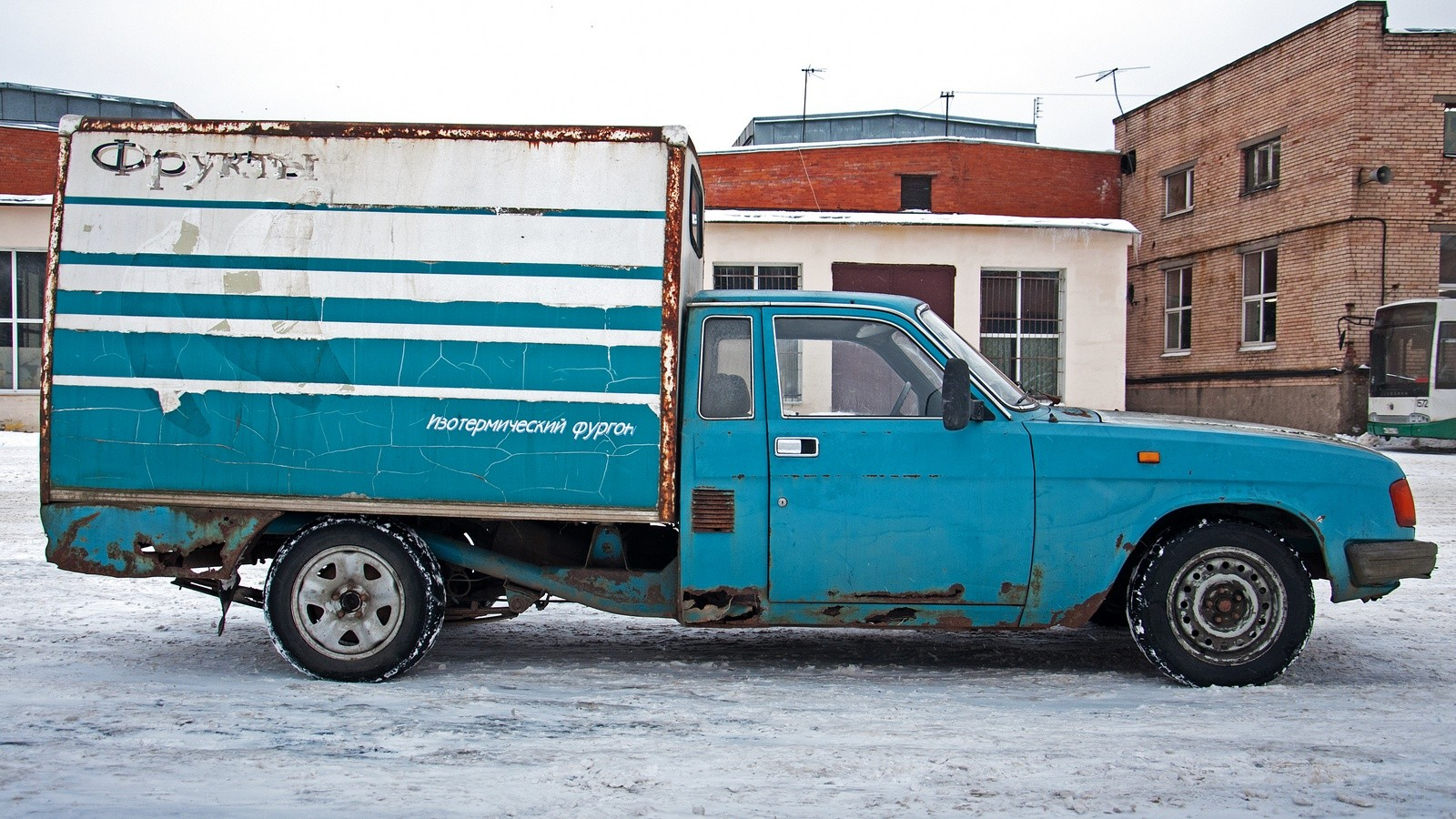 ГАЗ-2304 Бурлак сбоку