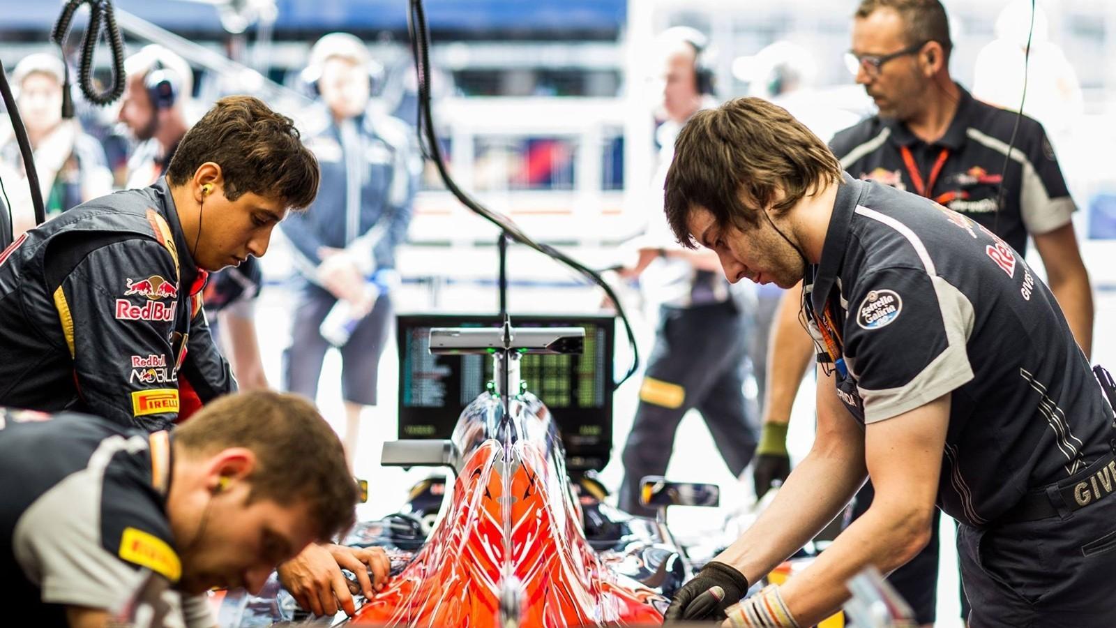 Пока команда не готова назвать точную причину, приведшую к резкой потере мощности двигателя на болиде Квята