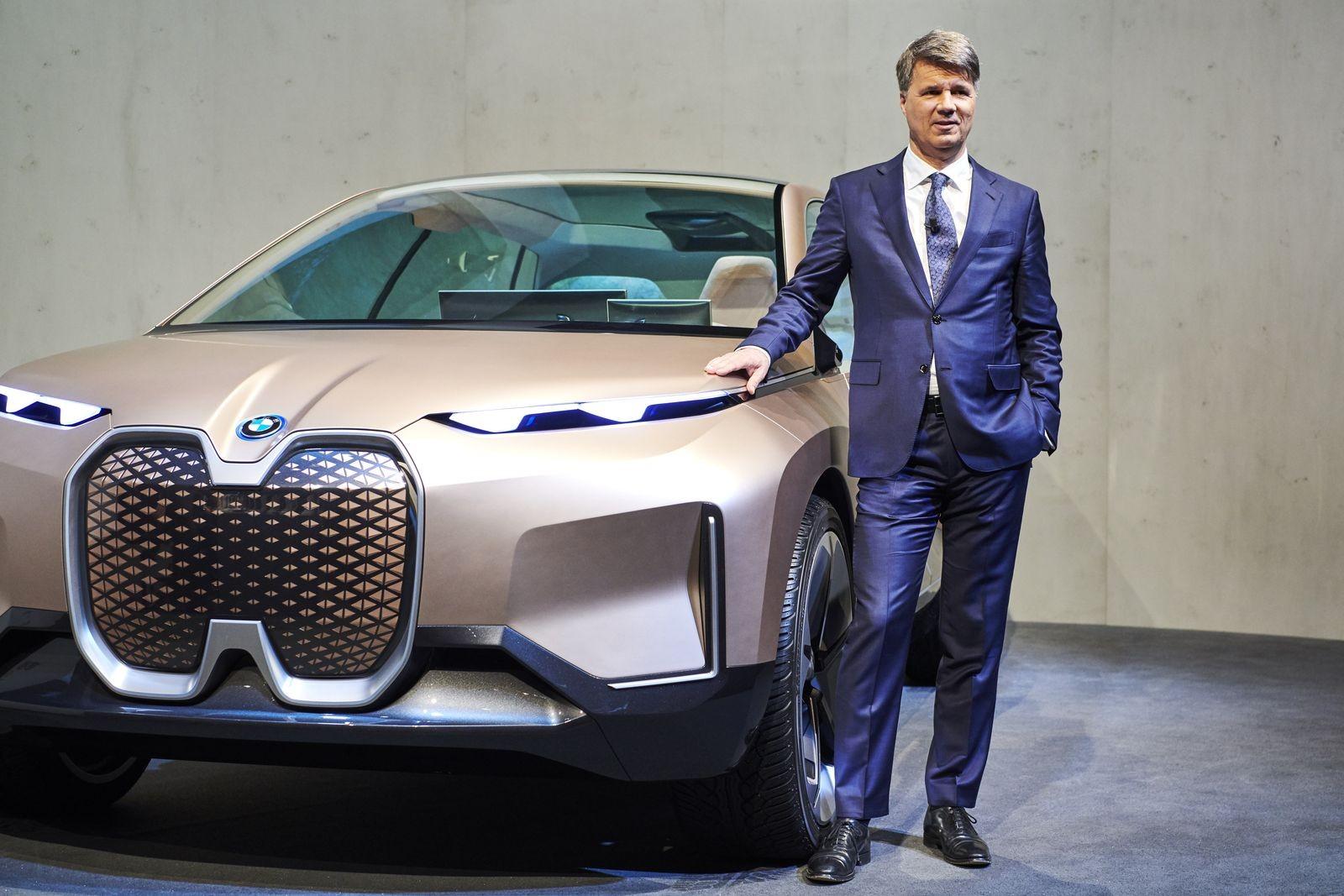 Кроссовер iNext должен стать самым востребованным электромобилем марки BMW, но Крюгер, похоже, в него не очень верит.