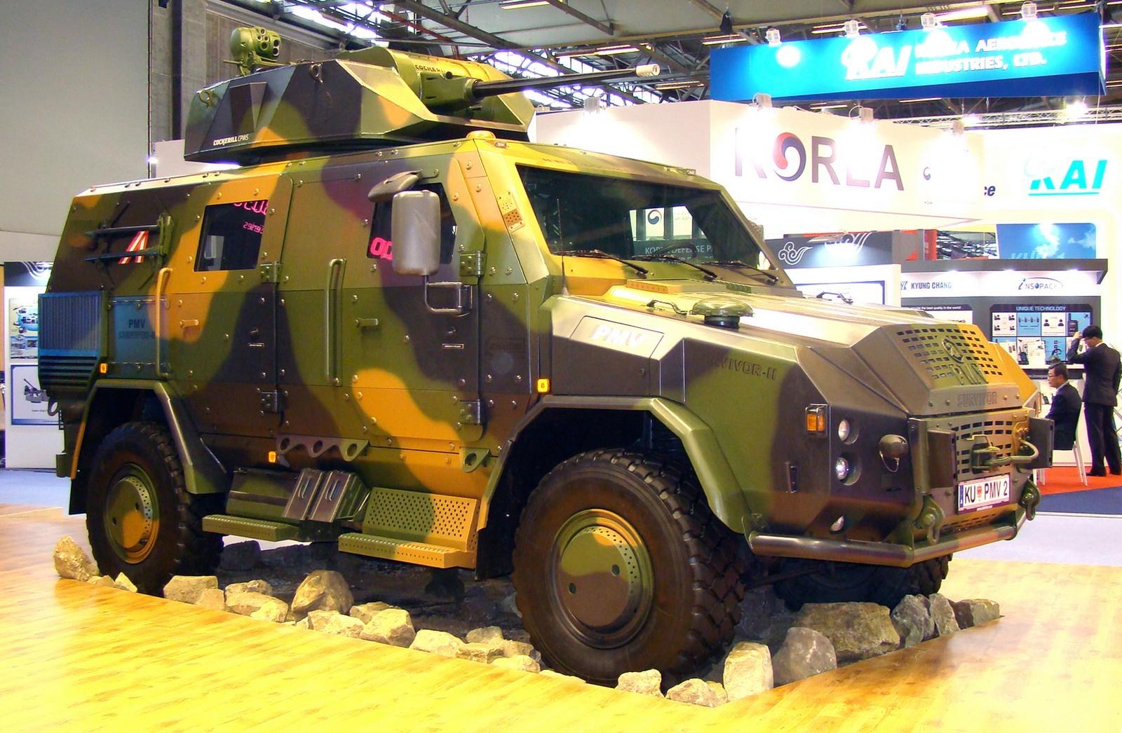 Тяжелый вариант Survivor-2 с бельгийской пушечной башней Cockerill