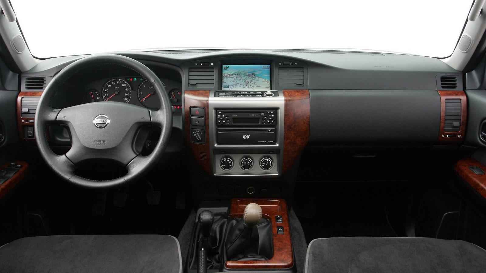 Nissan Patrol 5-door (Y61) '2004–10