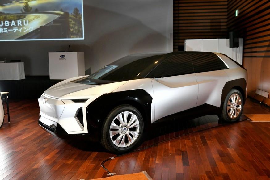 Subaru анонсировала новый кроссовер для Европы: размером с Forester, брат Тойоты