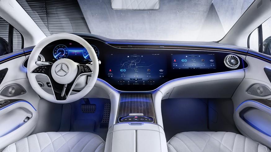 Mercedes-Benz EQS: новая платформа, 523-сильная установка и двери с электроприводом
