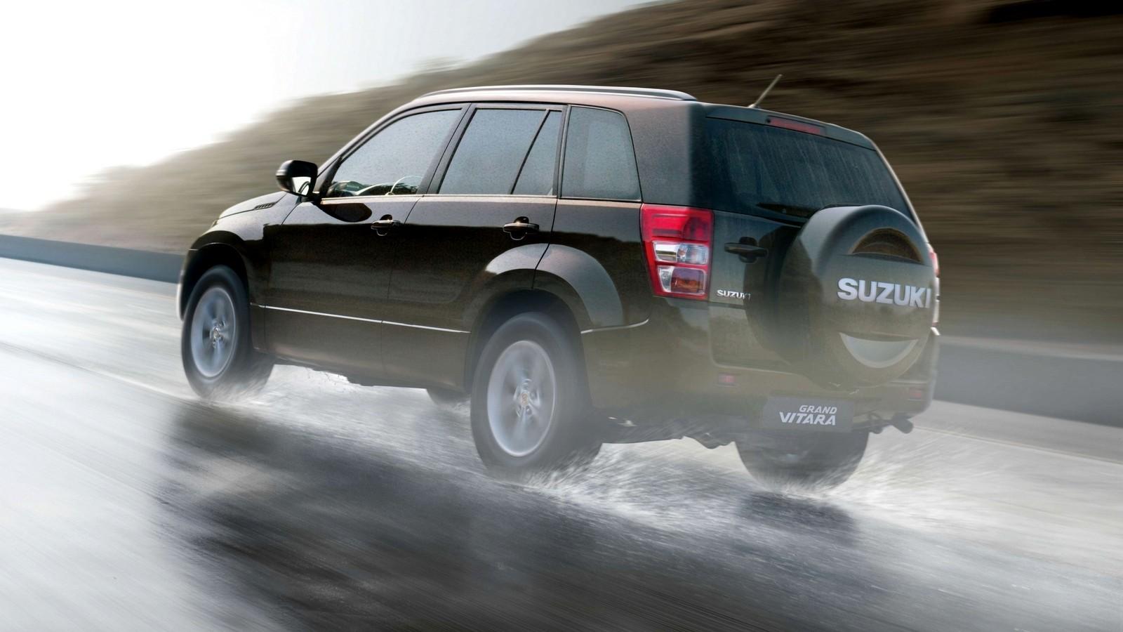 На фото: Suzuki Grand Vitara 5-door