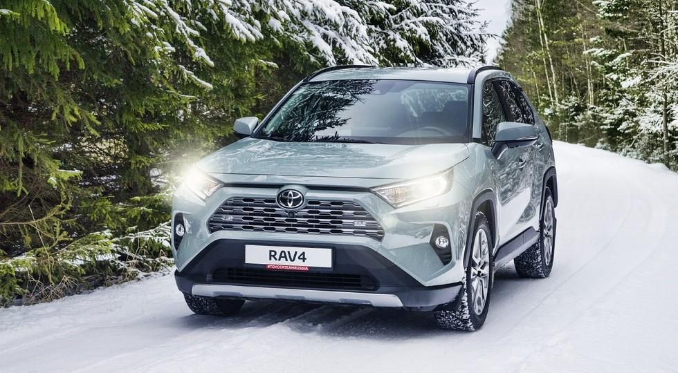 ТОП-10 SUV России: рывок Дастера и рекорд RAV4 в декабре, но по итогам года – много «минусов»