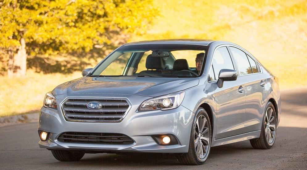 На фото: Subaru Legacy