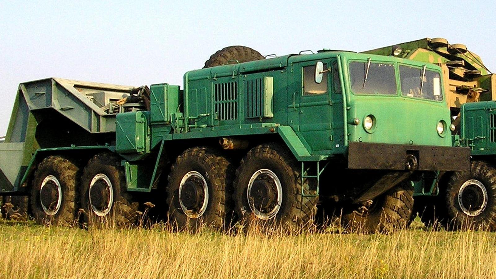 Спецтягач РВСН МАЗ-537Е с электро- и гидропневматическими системами