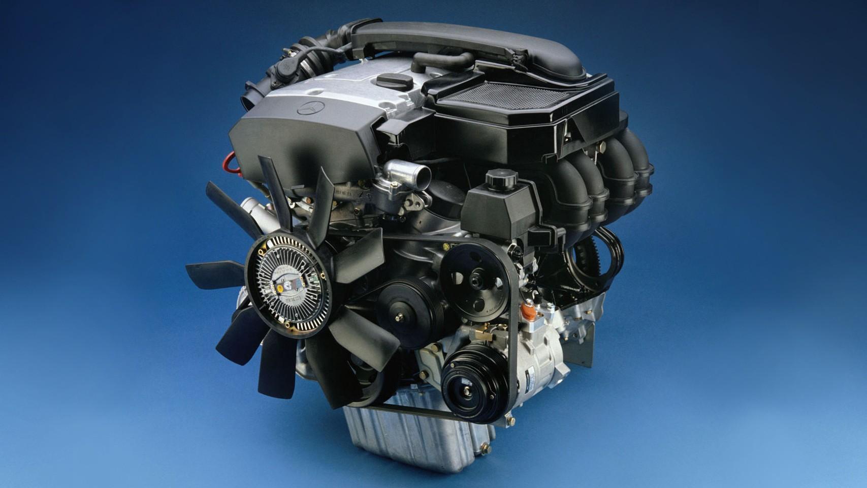 На фото: Mercedes-Benz M111