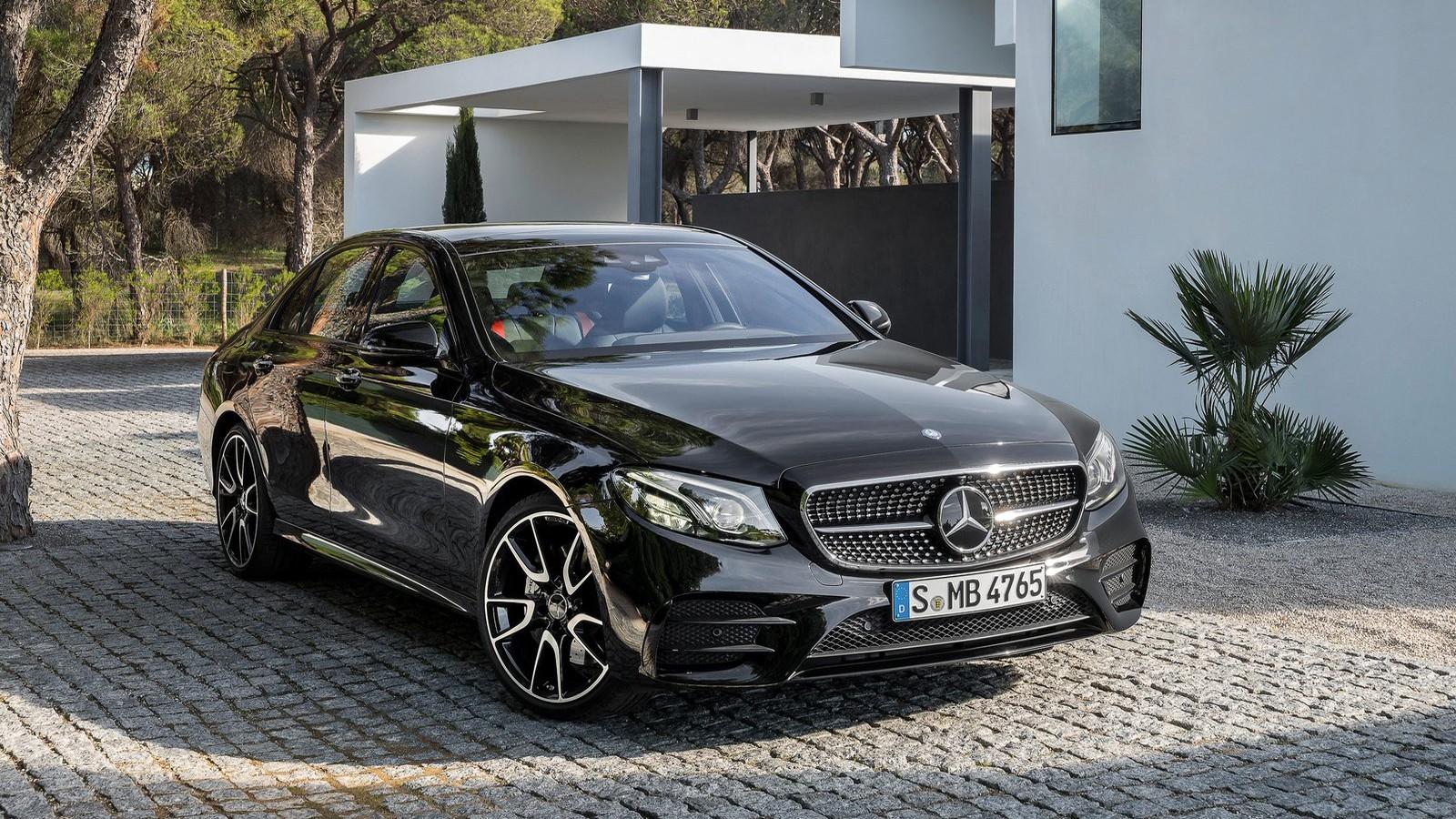 Передняя сторона Mercedes-AMG E43