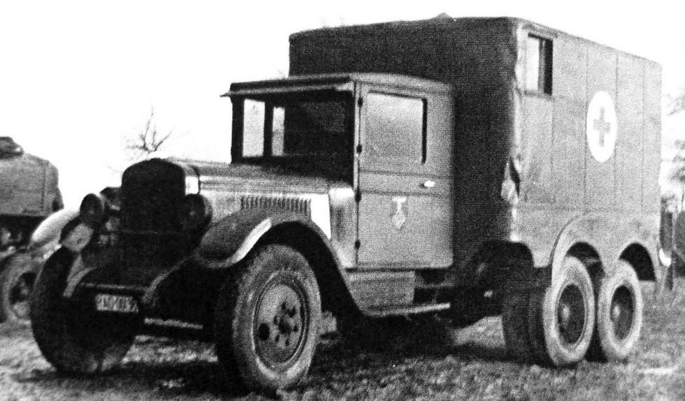 Машина медицинской службы в специальном кузове на ЗИС-6 (из архива H. Hoppe)