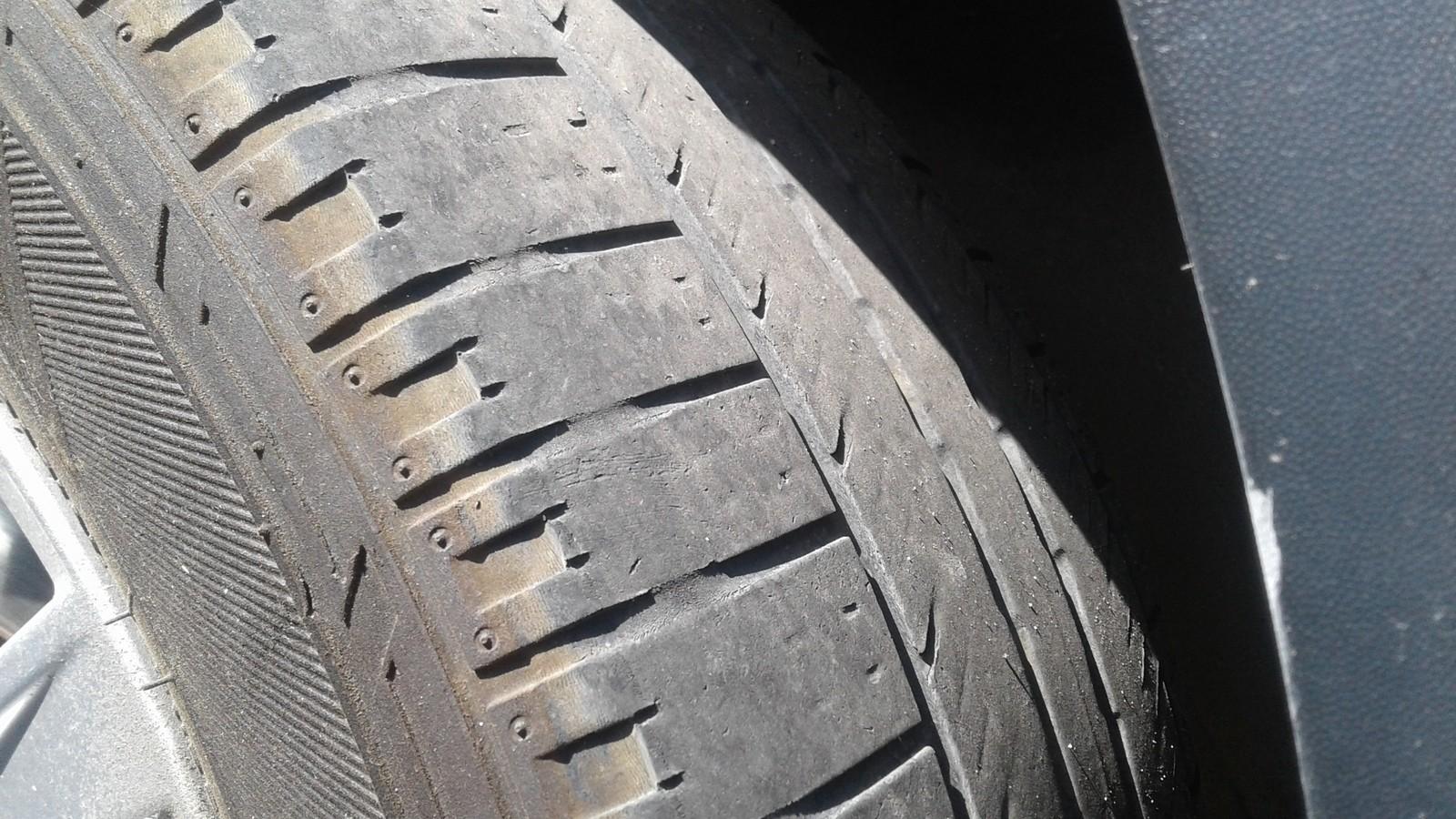 Volkswagen Tiguan протектор на шине