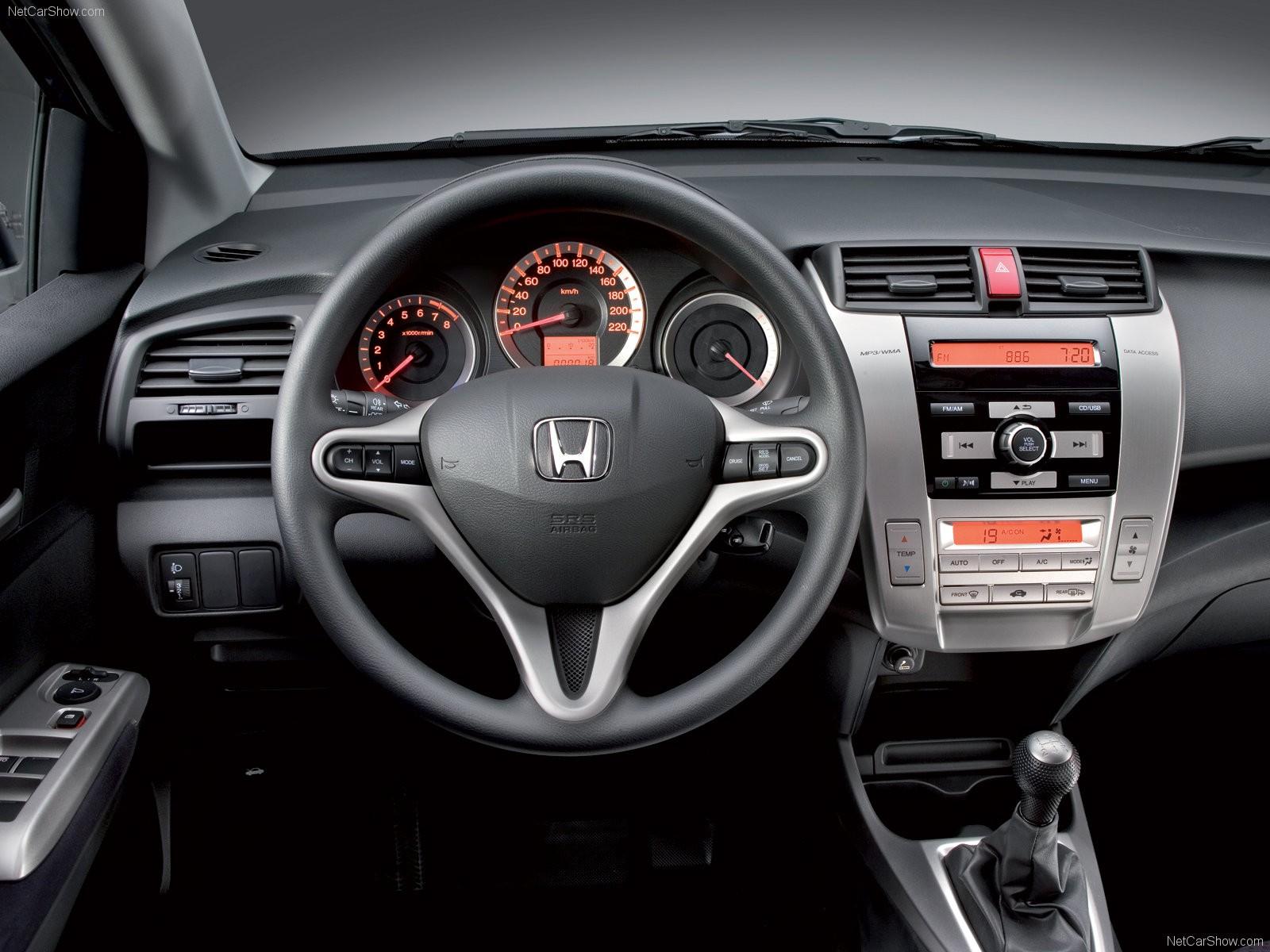 Honda-City-2009-1600-08