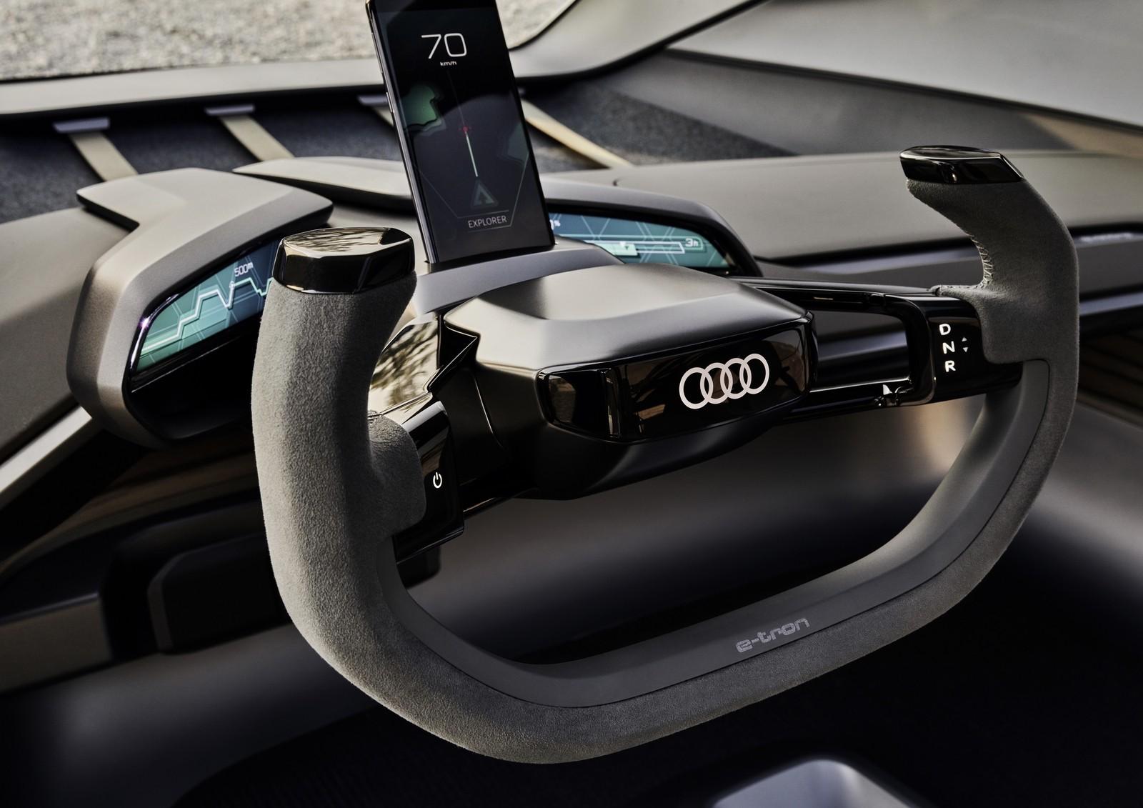 Внедорожник мечты от Audi: кузов-аквариум, кресла-гамаки и летающие фары