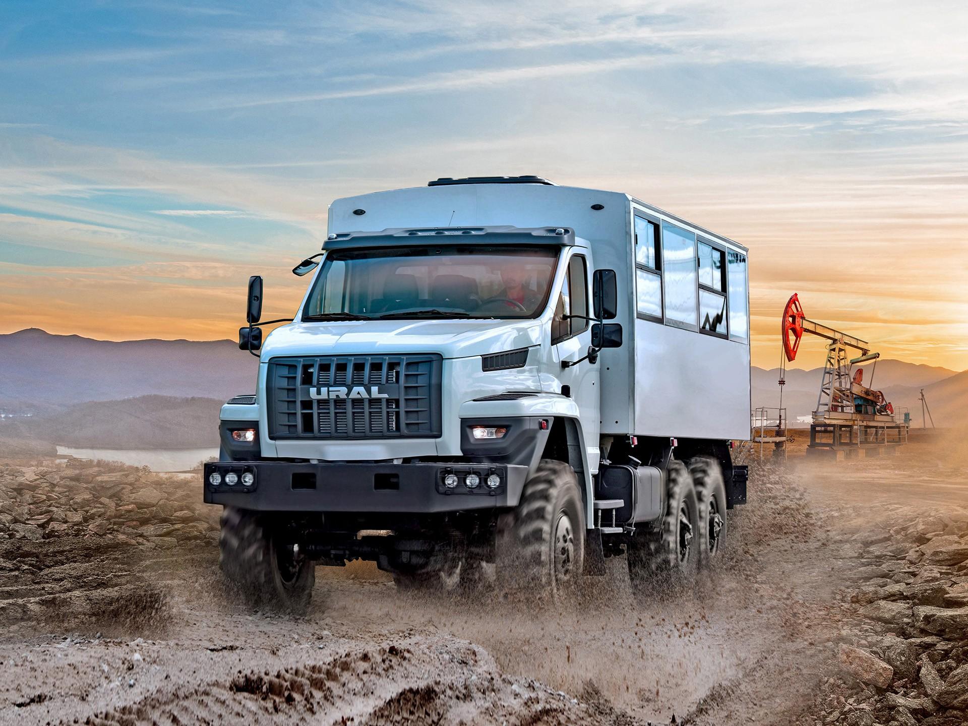 ЛУКОЙЛ развивает сотрудничество с производителем автомобилей «УРАЛ»