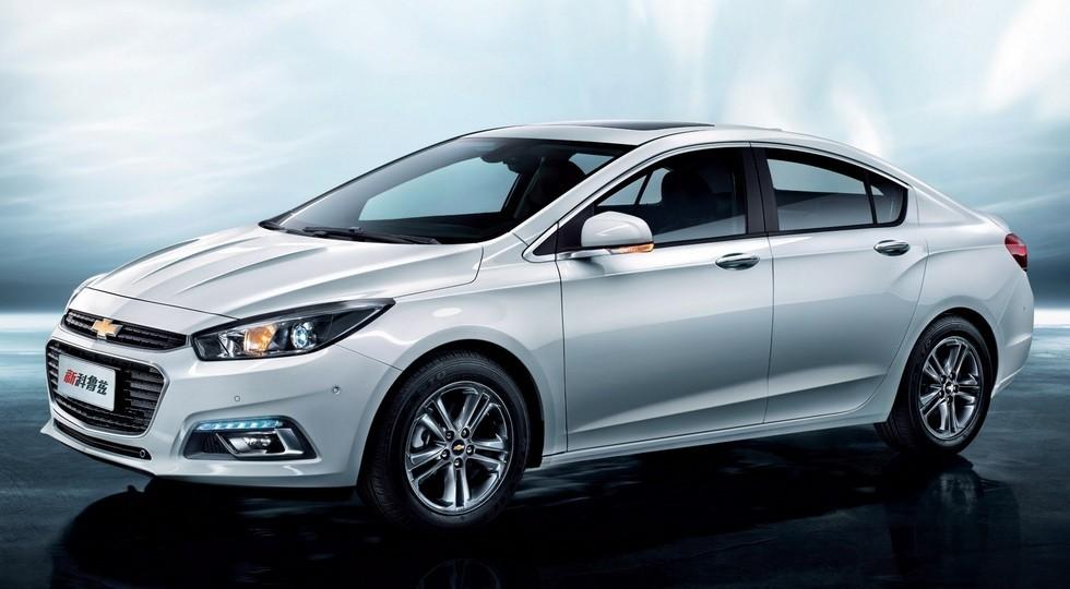 На фото: Chevrolet Cruze второй генерации, доступный только в Китае