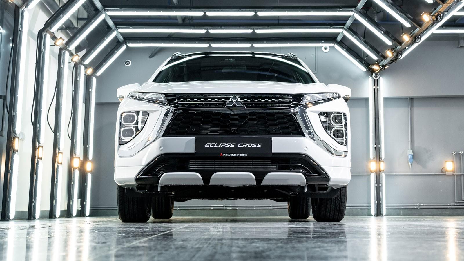 Без спойлера и с 2-литровым атмосферником: тест-драйв обновленного Mitsubishi Eclipse Cross