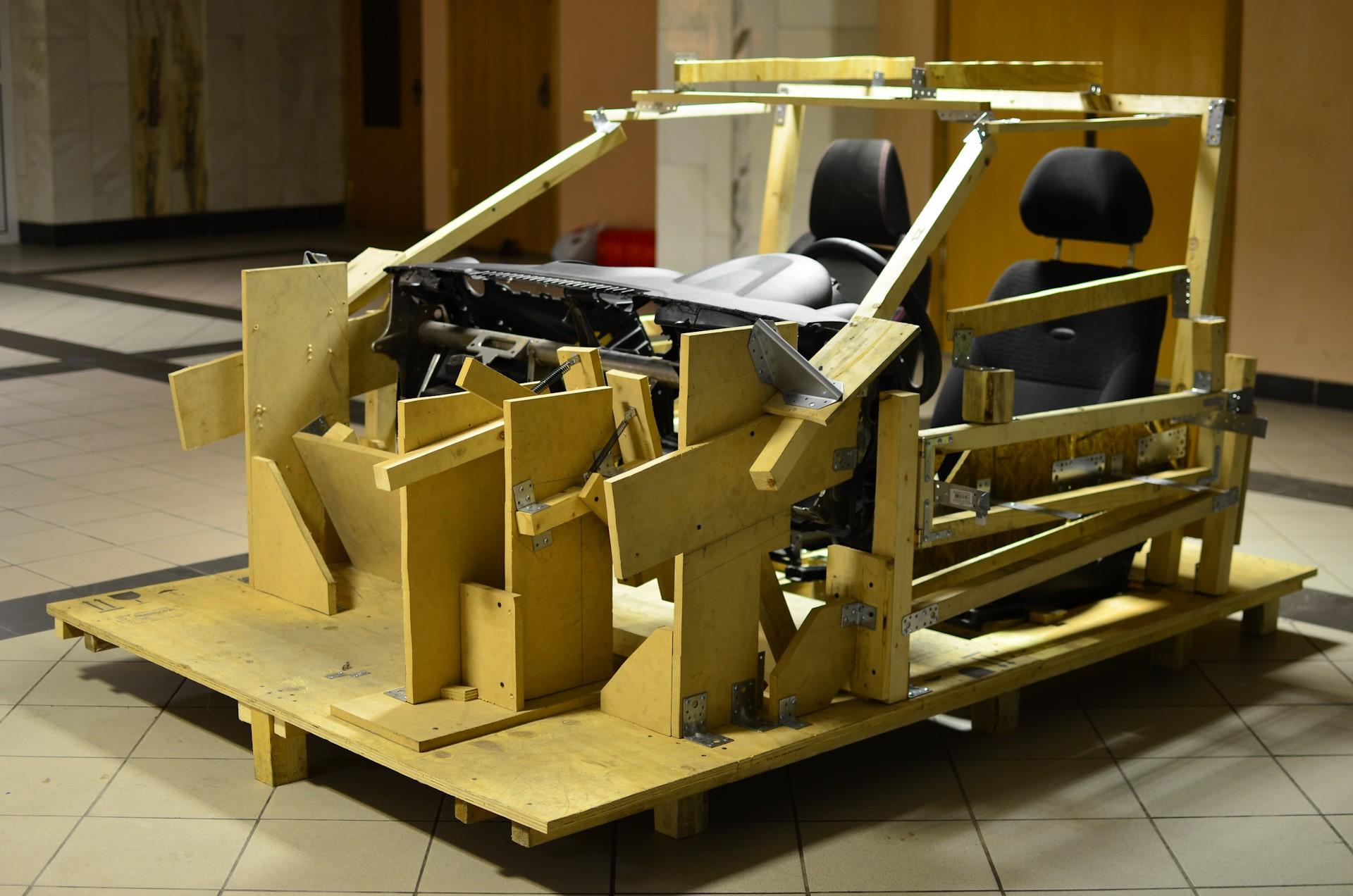 Одна из стадий постройки макета. Проверка посадки