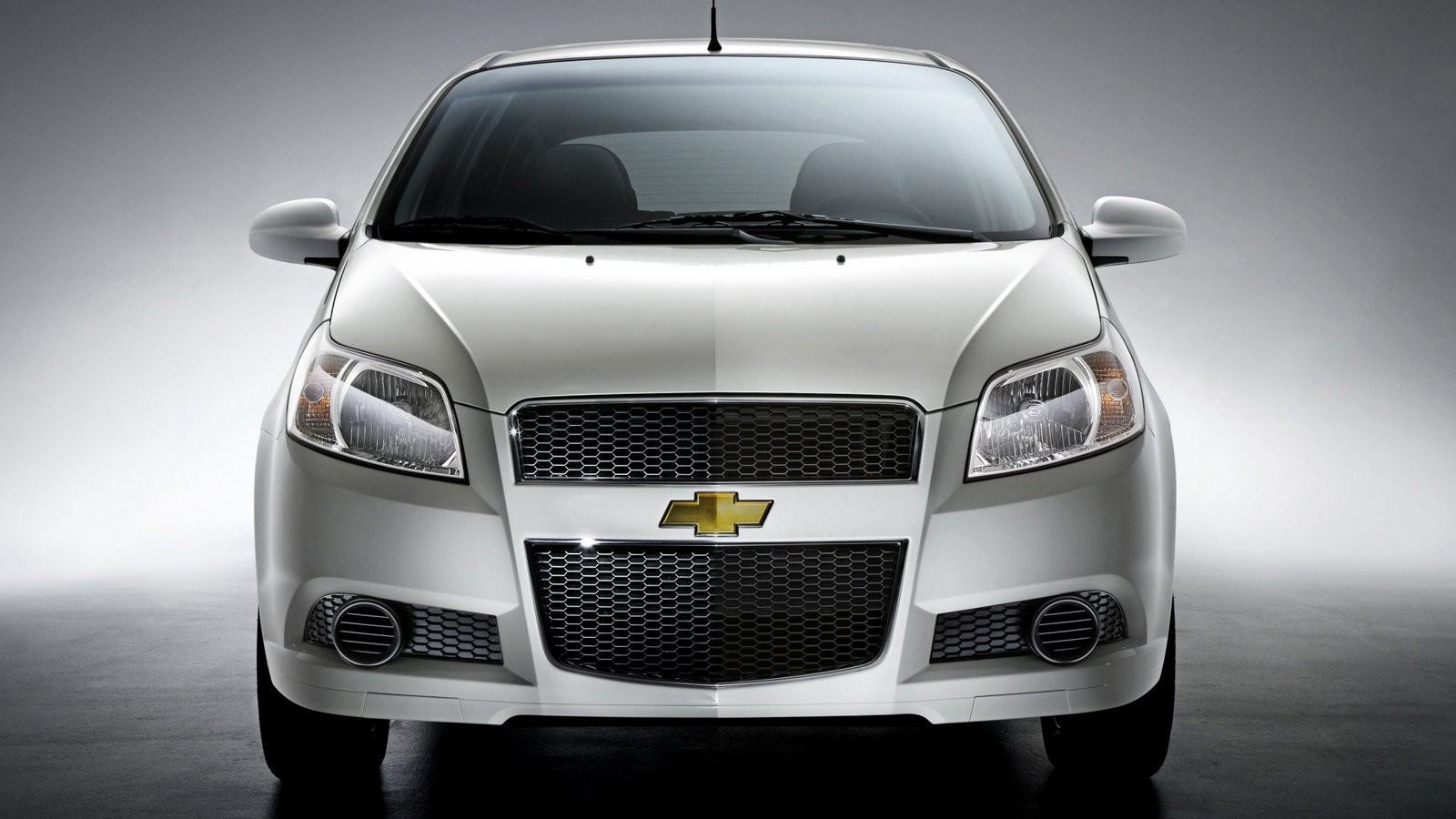 На фото: Chevrolet Aveo 5-door (T250) '2008–11