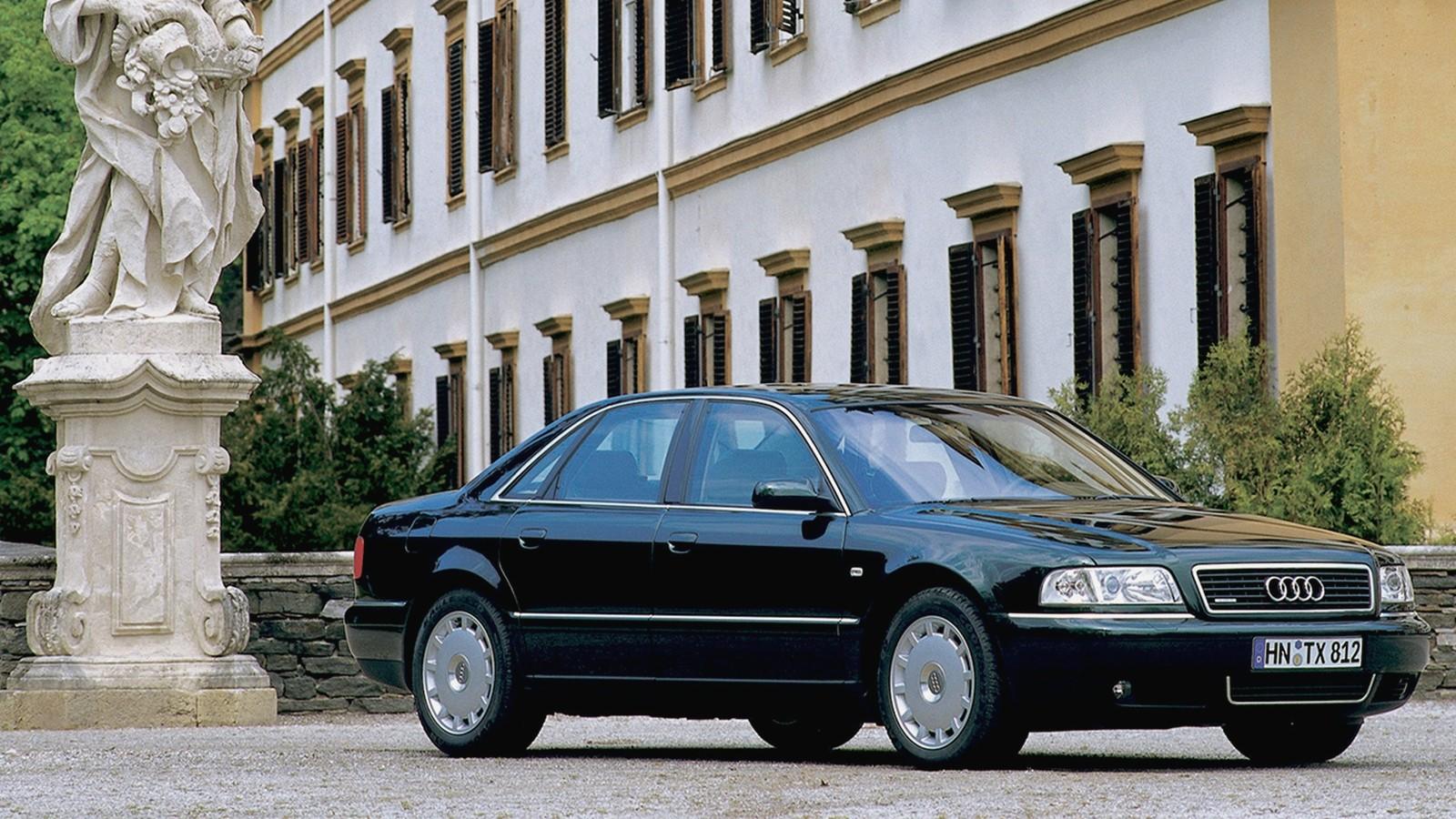 На фото: Audi A8 3.3 TDI quattro (D2) '1999–2002