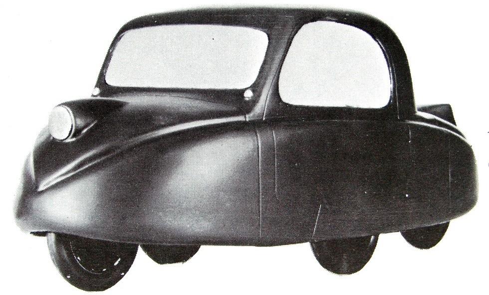 Унифицированный по шасси с броневиком итальянский «Ромбо» с закрытым кузовом. 1941 год