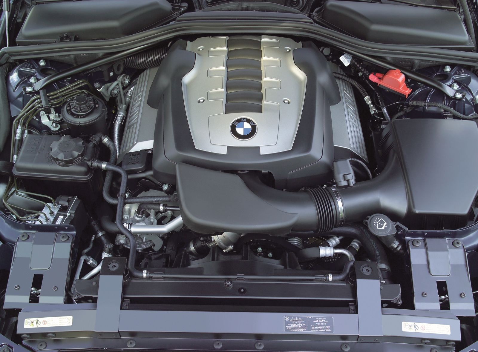 По любви – дорого, по расчету – трудно: стоит ли покупать BMW 6 series II E63 за миллион рублей
