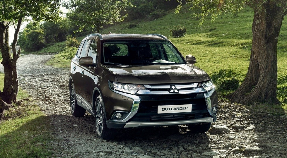 Mitsubishi Outlander_low (1)
