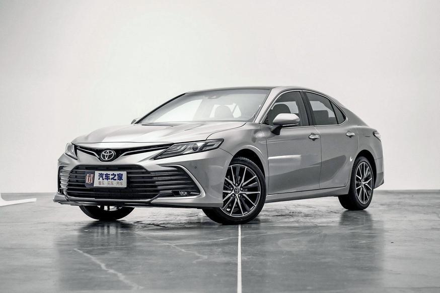 Другая обновлённая Toyota Camry: что не досталось глобальной версии?