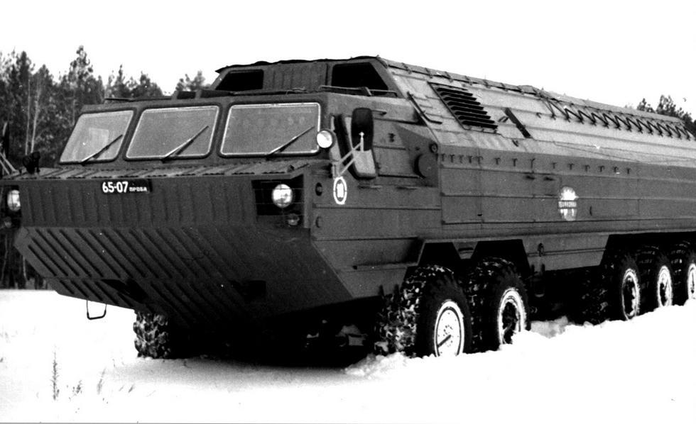 Испытания шасси с оснащением транспортно-заряжающей машины комплекса «Волга»