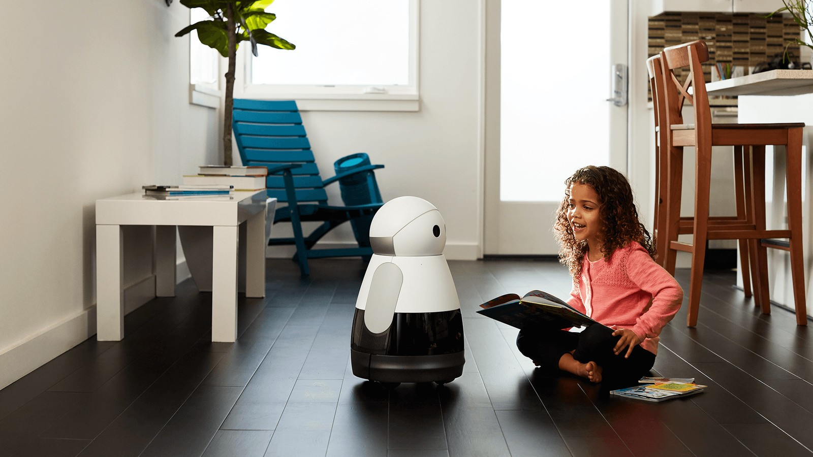 На фото: ещё одна разработка Bosch - домашний робот