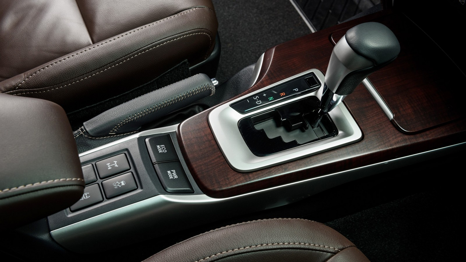 Toyota_Interior_04