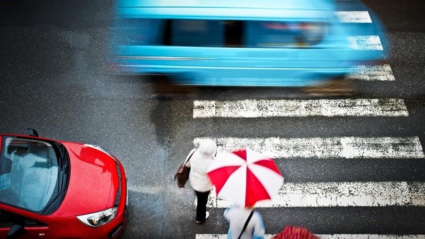 Чтобы обезопасить пешеходов: в РФ хотят поменять работу светофоров и изменить «зебры»