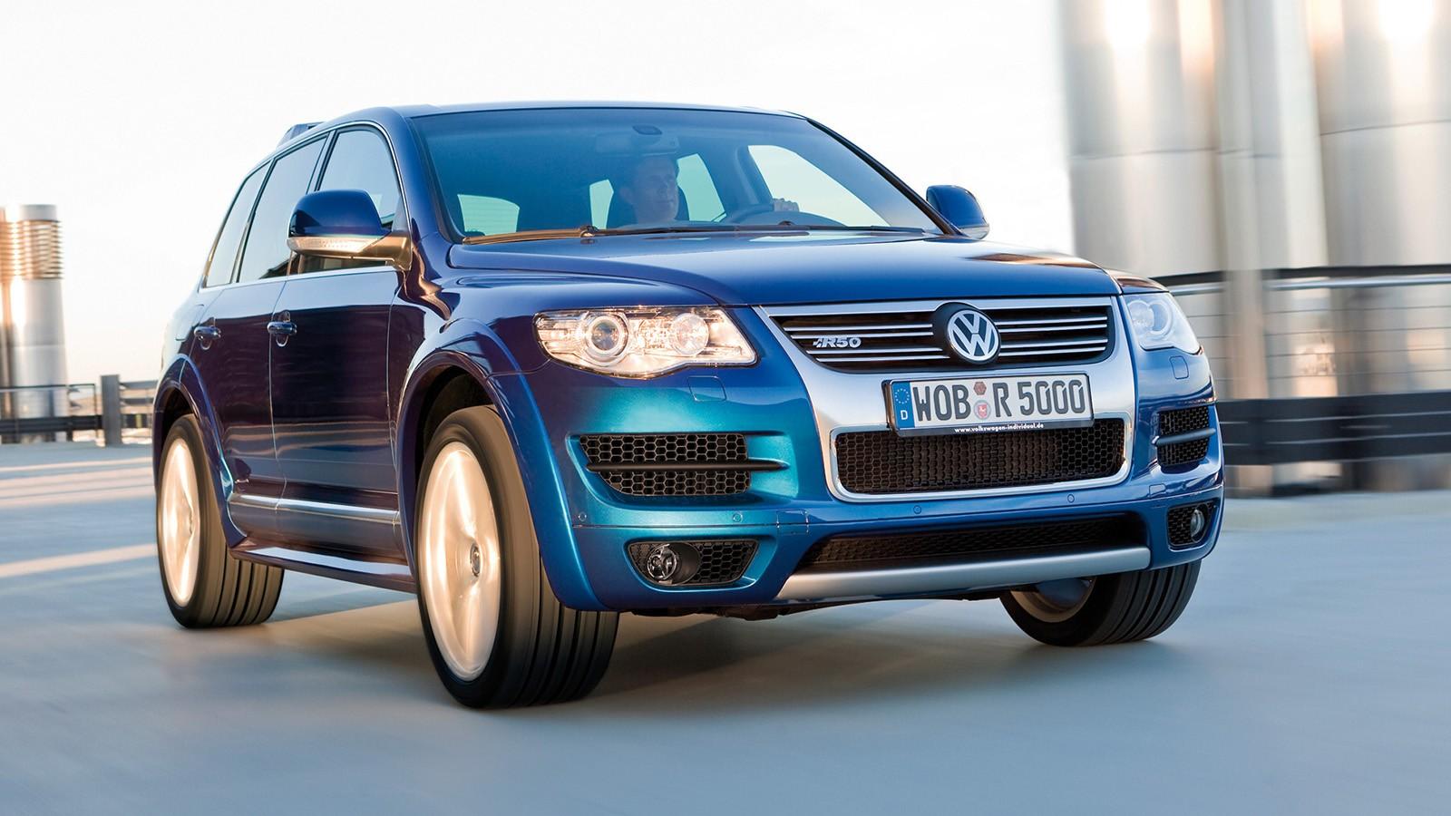 На фото: Volkswagen Touareg R50, оснащённый пятилитровым V10 мощностью 350 л.с.