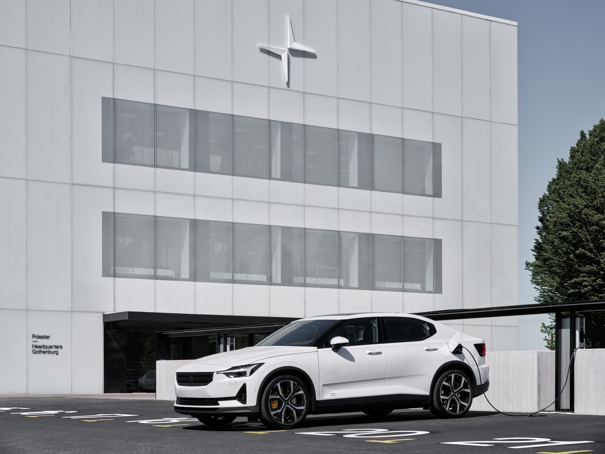 Плохие дела у Polestar: отзыв электромобилей и запрет на продажу во Франции