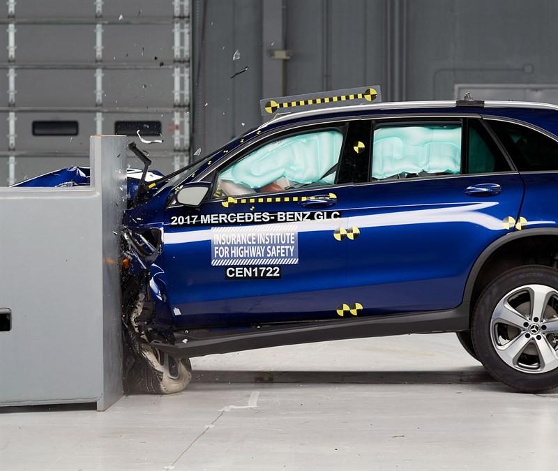 Mercedes-Benz GLC краш тест