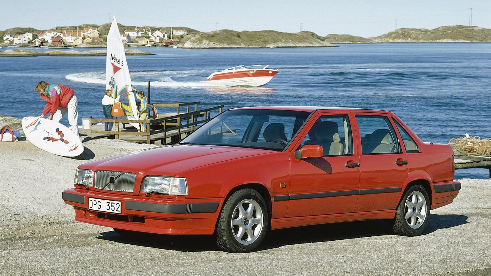 Volvo 850 красный