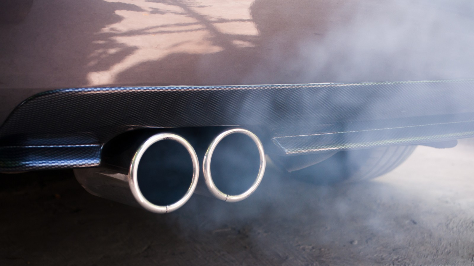 Car exhaust pipe