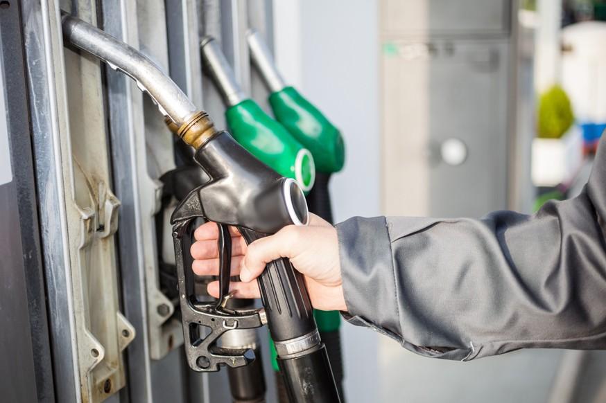 Цены на бензин в России не изменятся, несмотря на падение стоимости нефти