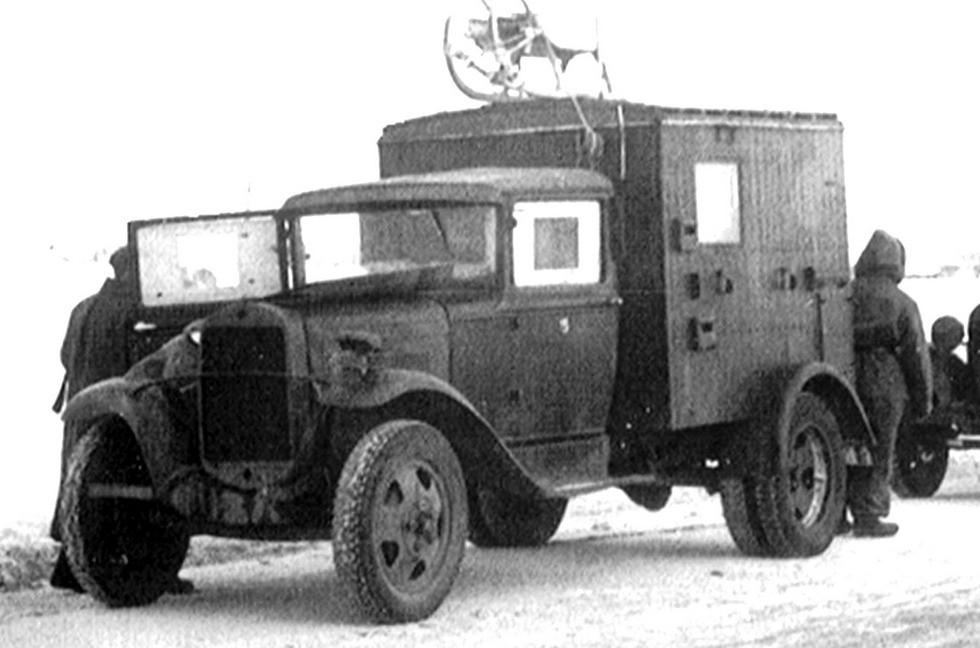 Фронтовая агитационная звуковещательная станция в фургоне на шасси ГАЗ-АА