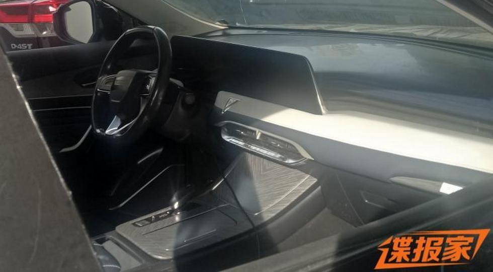 Новый кроссовер Nissan и Dongfeng: свой салон и мотор от старшего брата