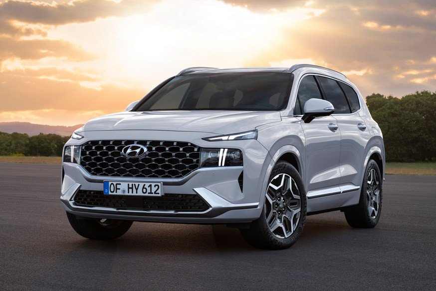 Рестайлинговый кроссовер Hyundai Santa Fe сменит моторную гамму в России