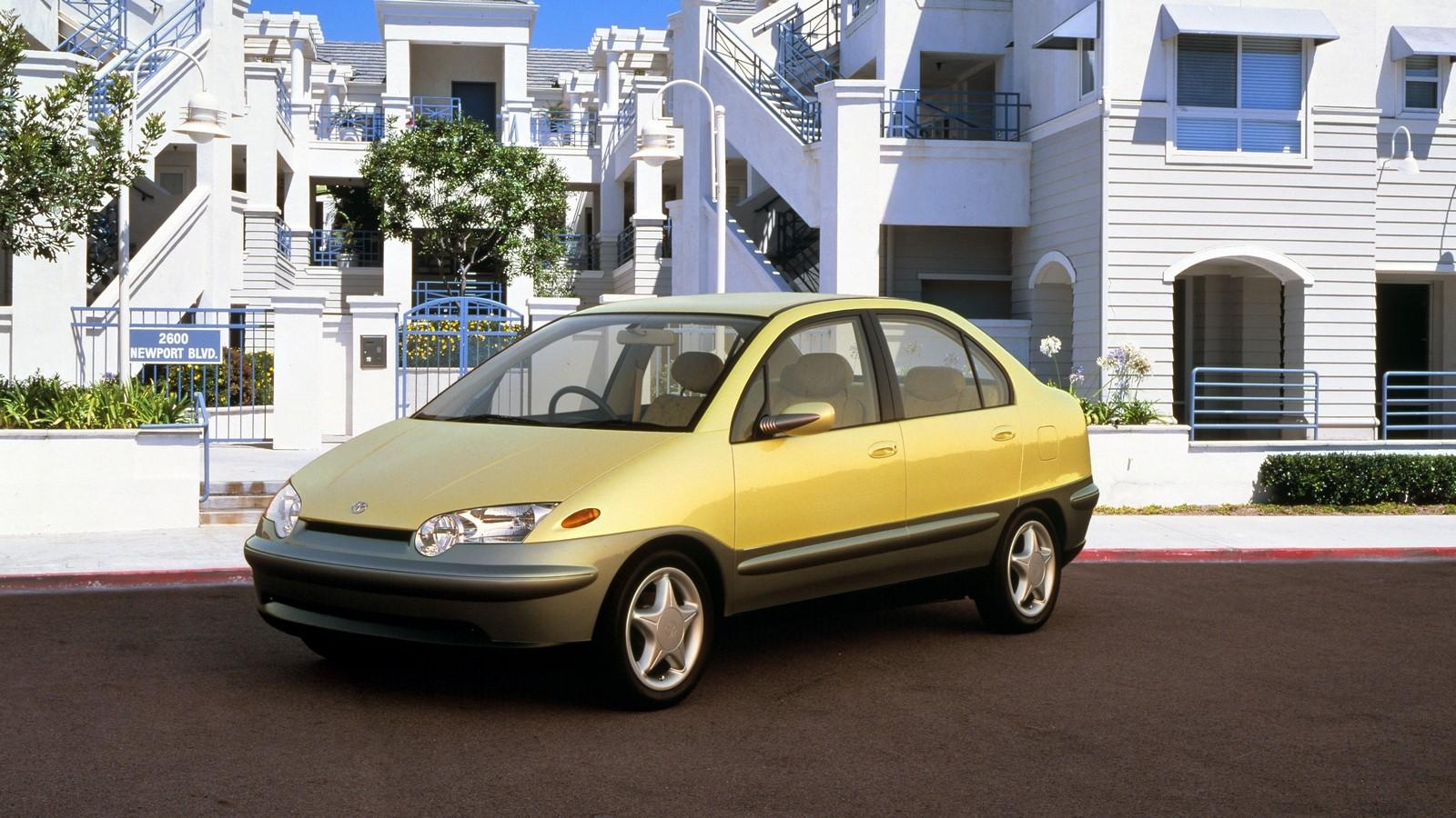 На фото: Toyota Prius Concept '1995
